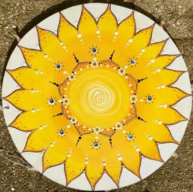 Mandala-3-sonne-gelb